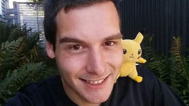 Tom Currie dejó su trabajo como barista para buscar pokémones. (TOM CURRIE)