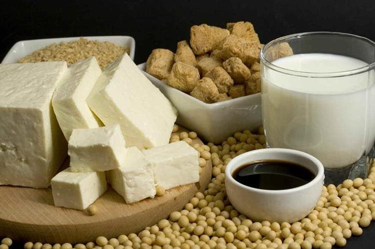 Las isoflavonas de la soya pueden proteger a la mujer de la osteoporosis, según estudio británico.