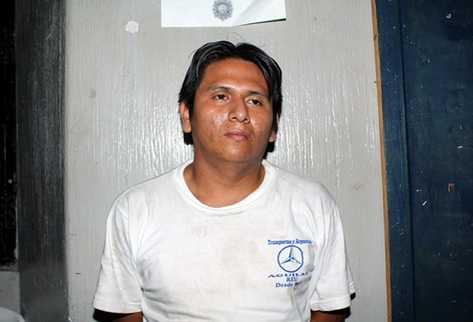 Víctor Lucas López  fue trasladado a la comisaría número 34 de la PNC de Retalhuleu.  (Foto Prensa Libre, Rolando Miranda)