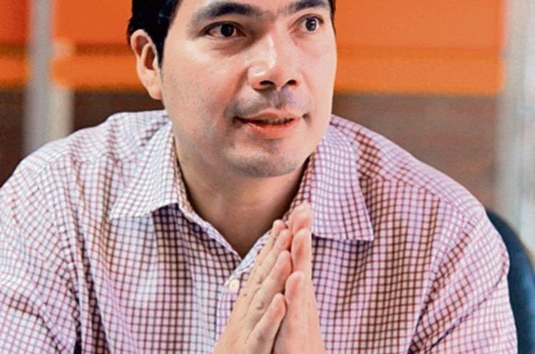César Tánchez,    experto en finanzas personales.