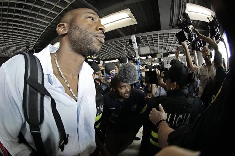 Paulo César Wanchope fue cuestionado por los medios a su llegada a Costa Rica. (Foto Prensa Libre: EFE)