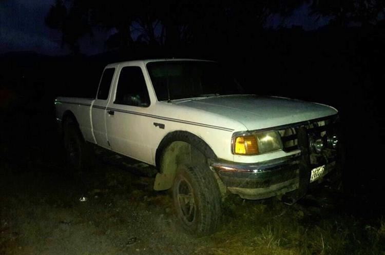 Este vehículo también era utlilizado por los supuestos extorsionistas para entregar los teléfonos. (Foto Prensa Libre: Eduardo Sam)