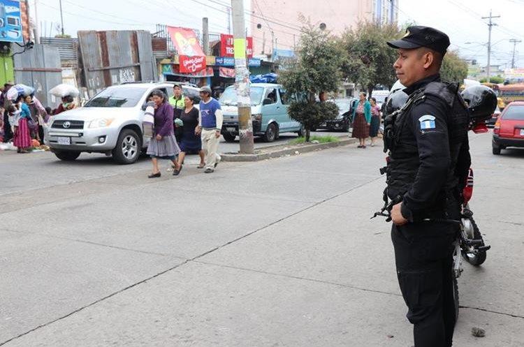 Los patrullajes también se efectuarán a pie.(Prensa Libre: Whitmer Barrera)