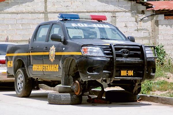 Unidades de  la Comisaría 43, en Huehuetenango, no reciben mantenimiento, lo cual  agrava la situación. (Foto Prensa Libre: Mike Castillo)