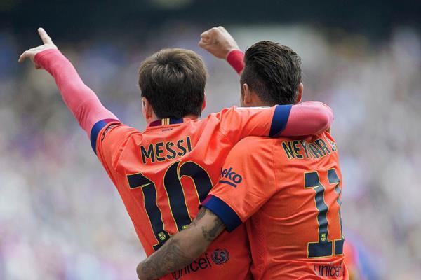 El argentino y el brasileño conforman una dupla explosiva en el Barcelona. (Foto Prensa Libre: EFE)