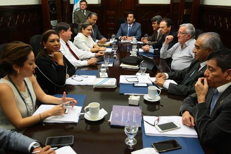 Diputados mantienen opiniones divididas sobre la posible salida de Iván Velásquez. (Foto Prensa Libre: Álvaro Interiano)