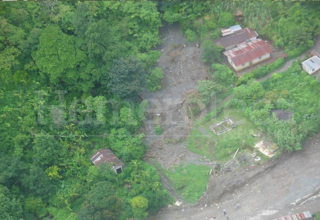 Vista aérea del alud que bajó del Cerro el Calvario en Senahú, Alta Verapaz. (Foto: Hemeroteca PL)