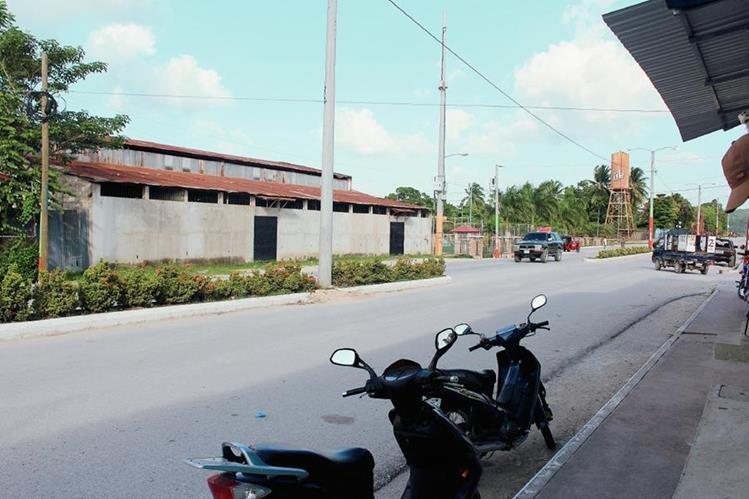 Vecinos de San Benito, Petén, señalan que la mayoría de proyectos de la comuna no generan progreso. (Foto Prensa Libre: Rigoberto Escobar)