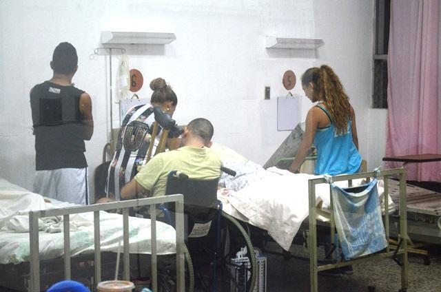 María José Méndez Quintana se recupera en el Hospial Nacional de Retalhuleu. (Foto Prensa Libre: Jorge Tizol)