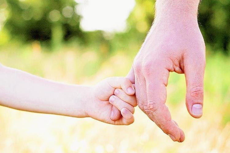 El apoyo de la familia es el pilar más importante en el tratamiento del cáncer infantil. (Foto Prensa Libre: Hemeroteca PL)