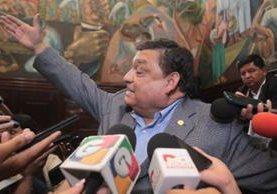 El diputado Carlos Herrera arremetió contra la periodista Jessica Gramajo por una publicación. (Foto Prensa Libre: Óscar Rivas)