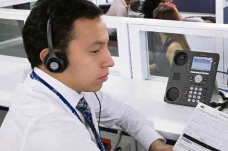 centros de llamadas reciben a los graduados.