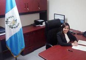 Elizabeth Paz Pineda presenta su renuncia al Congreso como subsecretaria de Conamigua. (Foto Prensa Libre: Conamigua)
