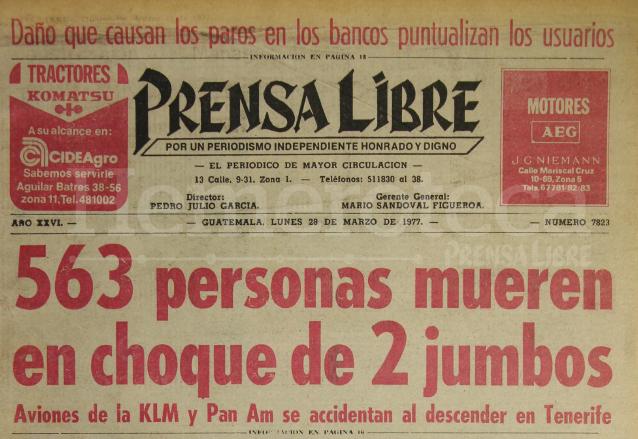 Titular de Prensa Libre del 28 de marzo de 1977 informando sobre el aparatoso accidente. (Foto: Hemeroteca PL)