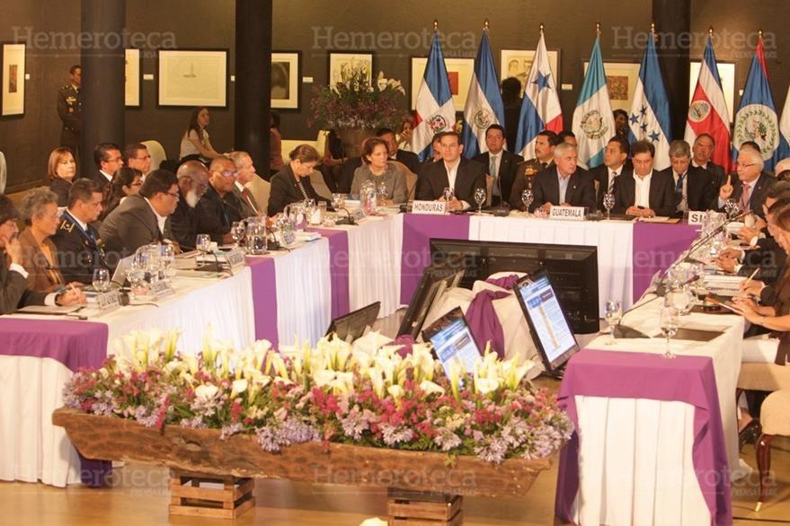 24/03/2012 Cumbre de presidentes centroamericanos, en Antigua Guatemala. El tema central fue la despenalización de las drogas. (Foto: Hemeroteca PL)