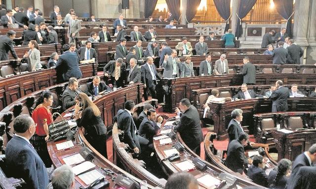 Congreso avanza en aprobación de ley que contiene reformas a la SAT. (Foto Prensa Libre: Hemeroteca PL)