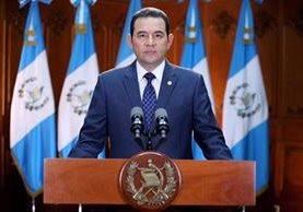 El presidente Jimmy Morales dijo este jueves que será hasta cuando reciba las reformas al Código Penal que las analizará y decidirá si las veta o no. (Foto Prensa Libre: Gobierno de Guatemala)