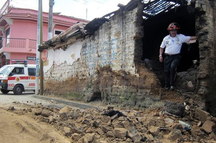 Casa dañada por el terremoto que afecto la aldea Barranca Grande, San Marcos. (Foto Prensa Libre: Hemeroteca PL)