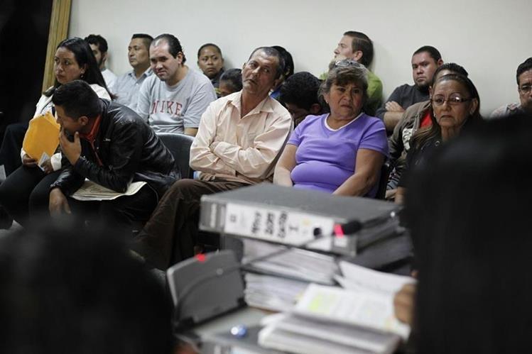 En julio pasado las fuerzas de seguridad capturaron a un grupo de personas por vender medicamentos del Seguro Social. (Foto Prensa Libre: P. Raquec)