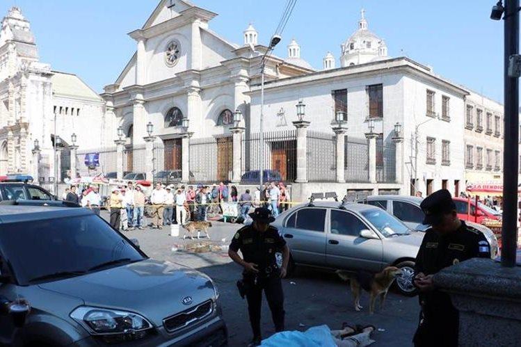 Lugar donde se registró el ataque en Xela. (Foto Prensa Libre: Carlos Ventura).