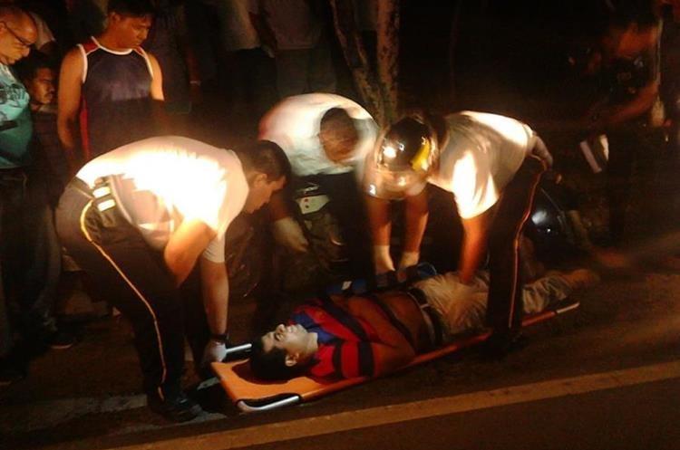Óscar Danilo Aroch resultó herido y fue trasladado al Hospital Modular de Chiquimula. (Foto Prensa Libre: Mario Morales).