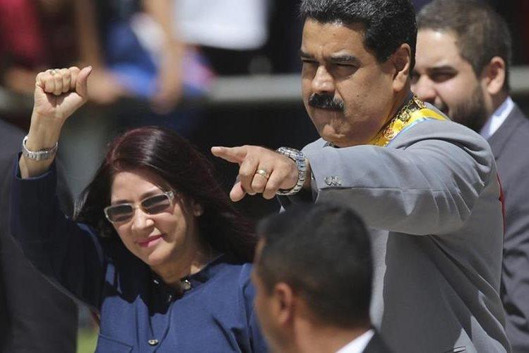 Expertos dicen que Maduro podría desistir de sus planes. (Foto Prensa Libre: AP)