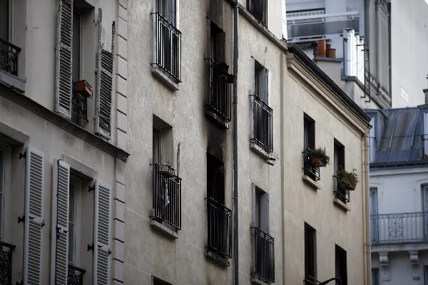 <em>Vista exterior del edificio dañado&nbsp; por el incendio en París.</em>
