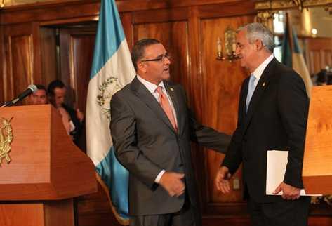 Presidentes Mauricio Funes, de El Salvador, y Otto Pérez, de Guatemala. (Foto Prensa Libre: Erick Avila)