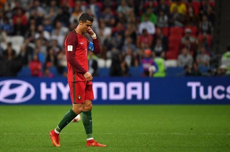 Cristiano Ronaldo se mostró triste por la eliminación de Portugal. (Foto Prensa Libre: AFP)