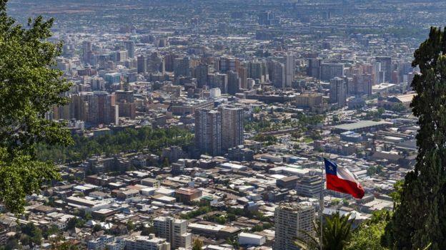 Pese a los resultados negativos, Chile es el tercer país más competitivo para los negocios de América Latina. (Istock).