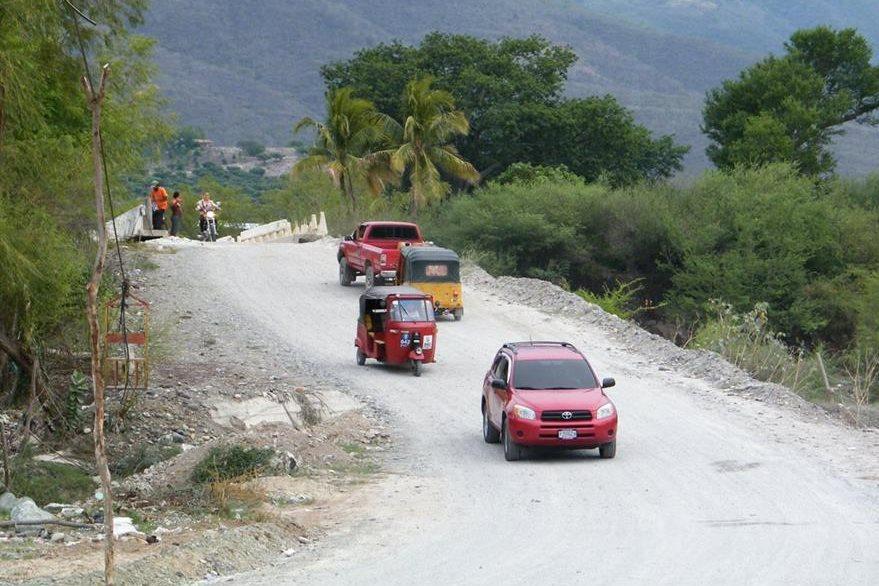 El  puente se encuentra en la ruta que une la carretera al Atlántico, en el kilómetro 98. (Foto Prensa Libre: Héctor Contreras)