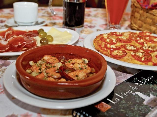 La Casa de Eventos La Rosa de Madera ofrece platillos mediterráneos, en su mayoría preparados en horno de leña. (Foto Prensa Libre: Álvaro Interiano)