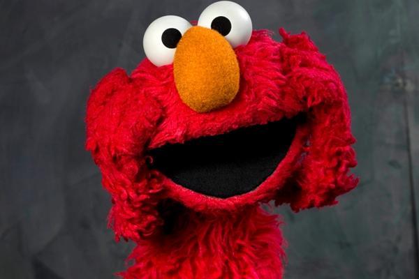 <p>Actor que presta su voz a Elmo deja el elenco. (Foto Prensa Libre: AP)</p>