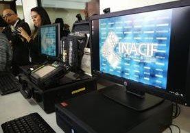El laboratorio de informática forense aportará a la prueba científica en casos judiciales (Foto Prensa Libre: Érick Ávila).