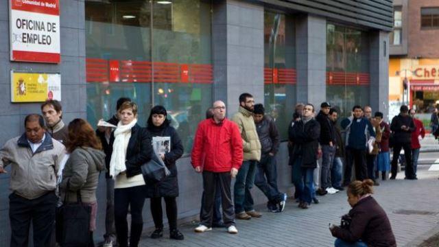 El paro afecta a 4,8 millones de españoles en edad y disposición de trabajar, un 21 por ciento de la población activa. GETTY IMAGES