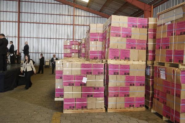 La junta de licitación del Mineduc declaró desierto el proceso para adquirir los textos en agosto último, y hasta ahora el Ministerio planea hacer la compra.