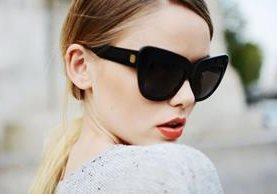Los lentes de sol son una forma de demostrar el estilo personal durante el verano. (Foto Prensa Libre: Femfete).