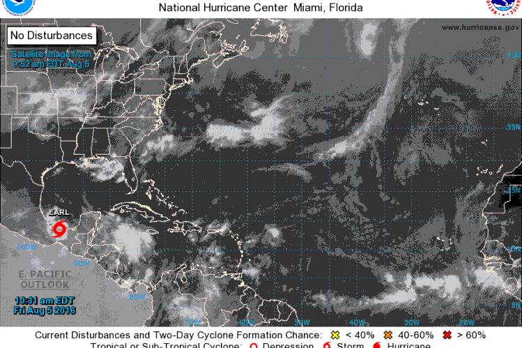 La tormenta tropical Earl se aleja de Guatemala. (Foto Prensa Libre: Centro Nacional de Huracanes de EE.UU)