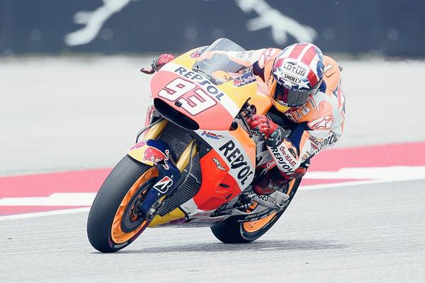 Marc Márquez subió al podio nuevamente en el circuito de Austin y se prepara para hacerlo en Argentina. (Foto Prensa Libre: EFE)