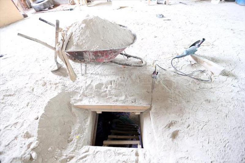 El túnel por donde escapó el Chapo en julio último. (Foto Hemeroteca PL).