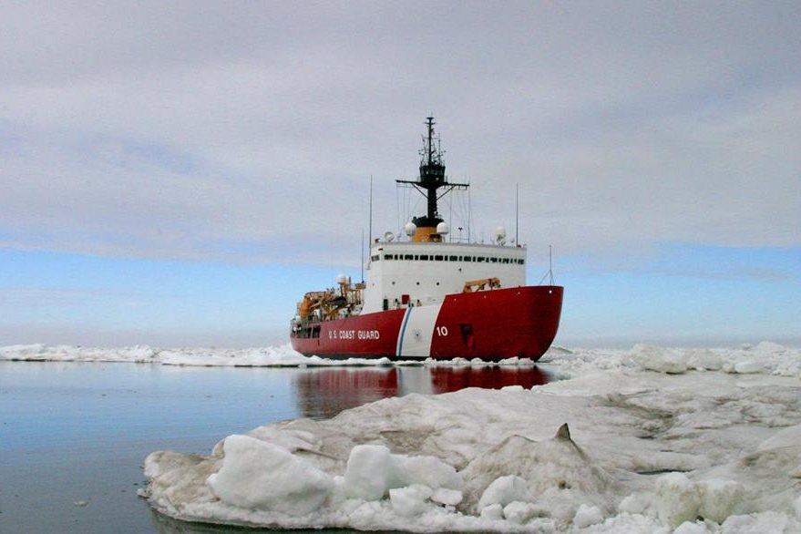 Alrededor de 1 mil 800 kilómetros cuadrados  de las montañas Kenai están cubiertas por hielos glaciares. (Foto Prensa Libre: AFP).