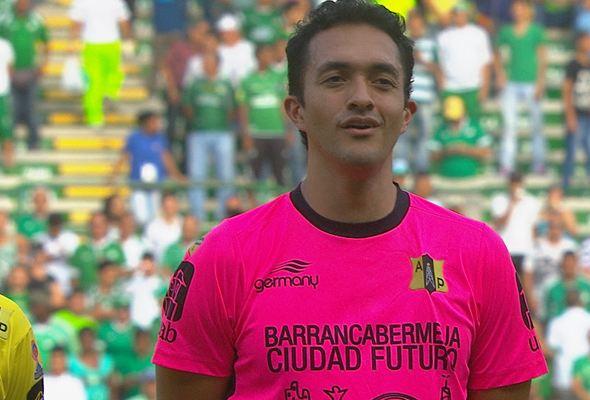Ricardo Jerez y el Alianza Petrolera perdieron por goleada. (Foto Prensa Libre: Hemeroteca PL)