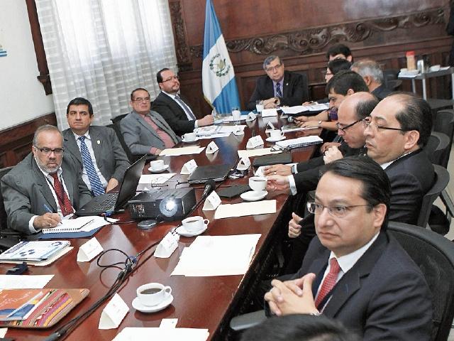 El vicepresidente Jafeth Cabrera Franco da a conocer detalles de la reunión del Gabeco.