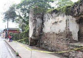 El sismo de 6.7 grados Richter dañó estructuras en varios departamentos.