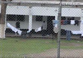 El cuerpo de Méndez fue localizado en un patio de Los Paisas, en el centro correccional Etapa 2, en San José Pinula. (Foto Prensa Libre: Hemeroteca PL)