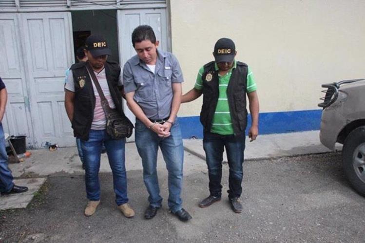 Jorge Luis Dubón es sindicado de violencia contra la mujer. (Foto Prensa Libre: Rigoberto Escobar).