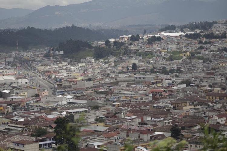 Xela contó desde 1982 con un plan regulador; sin embargo, debido a su crecimiento, las autoridades implementaron en 2012 un Plan de Ordenamiento.  (Foto Prensa Libre: María José Longo).