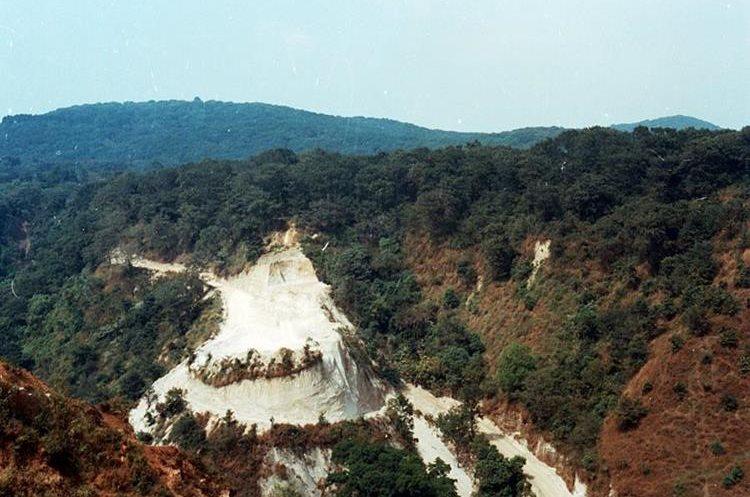 Un camino de terracería era lo que comunicaba hace dos décadas a la montaña con la Ciudad de Guatemala.