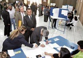 Investigaciones dirigidas por el MP y la CICIG señalaron la supuesta influencia del abogado y empresario Roberto López Villatoro en la integración de la actual Corte Suprema de Justicia. (Foto Prensa Libre: HemerotecaPL)