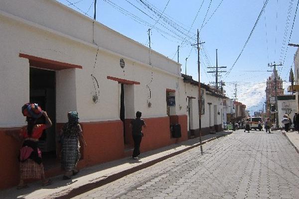 algunas viviendas de la cabecera de Sololá ya fueron pintadas.